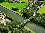 Nederland, Gelderland, Gemeente Lochem, 21–06-2020;  overzicht Twentekanaal tussen Zutphen (Eefde) en Lochem. Links Passantenhaven De Nieuwe Aanleg.<br /> Overview Twente Canal between Zutphen) Eefde and Lochem.<br /> <br /> luchtfoto (toeslag op standaard tarieven);<br /> aerial photo (additional fee required)<br /> copyright © 2020 foto/photo Siebe Swart