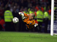 Hero's Pepe Reina makes Dramatic save from Chelsea's Arjen Robben<br />Liverpool 2006/07<br />Liverpool V Chelsea 01/05/07 <br />The UEFA Champions League Semi Final 2nd Leg<br />Photo Robin Parker Fotosports International