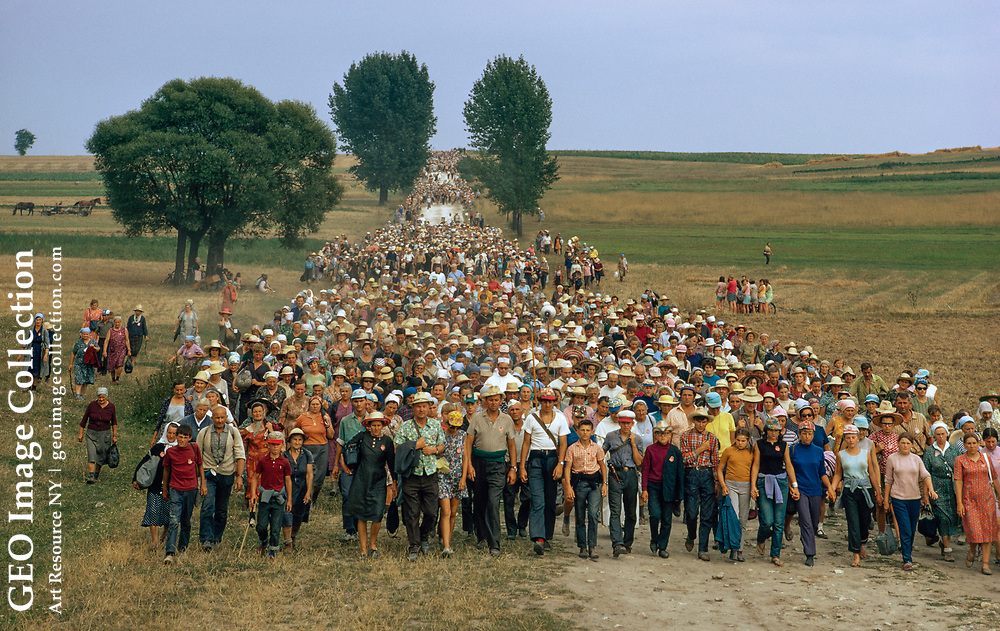 Pilgrims from Warsaw walked 130 miles to honor the Blessed Virgin.