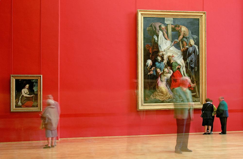 """Nord-Pas-de-Calais region. Nord department. Town of Lille. Interior of the """"Musée des Beaux Arts"""" (Fine Arts Museum). """"La Descente de Croix, 1616 - 1617"""" by Peter Paul RUBENS."""
