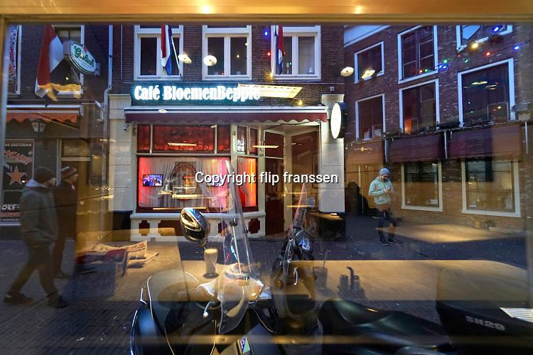 Nederland, Amsterdam, 5-3-2019 Cafe BloemenBeppie in de Korte Reguliersdwarsstraat .Foto: Flip Franssen