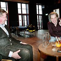 Nederland,Amsterdam ,24 januari 2008..Peter te Bos (frontman en zanger van de popband Claw Boys Claw, tevens grafisch vormgever) en Henk Hofstede (zanger en tekstschrijver van de Nederlandse Popband de Nits)