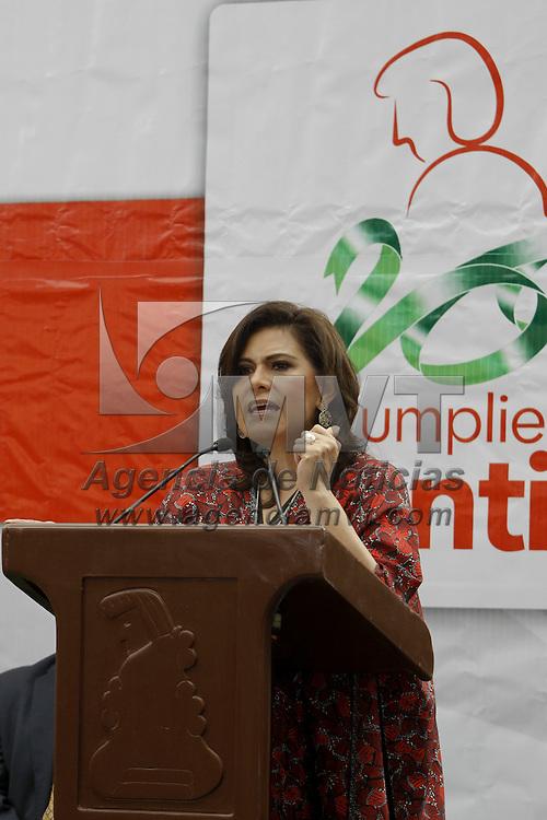 TOLUCA, México.- María Elena Barrera Tapia, alcaldesa de Toluca, durante la  inauguración de  la Feria del Empleo para Mujeres, en donde se  115 empresas ofertaran alrededor de mil 150 empleos en diversas  áreas. Agencia MVT / Crisanta Espinosa. (DIGITAL)