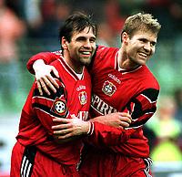 Fotball<br /> Foto: imago/Digitalsport<br /> NORWAY ONLY<br /> <br /> 07.02.1998<br /> <br /> Ulf Kirsten und Bent Skammelsrud teilen ihre Freude