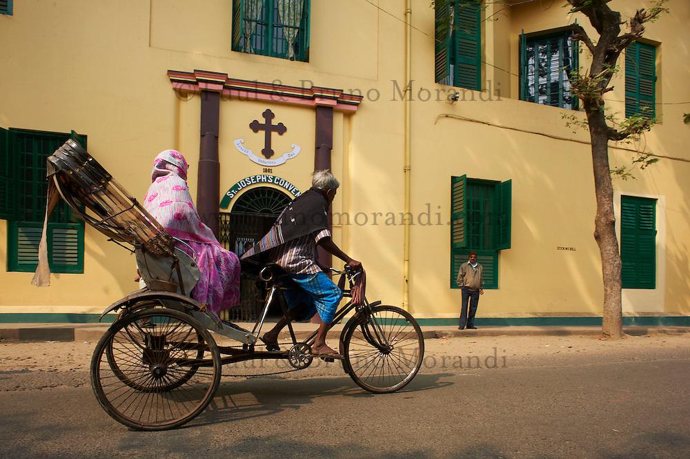 Inde, Bengale-Occidental, Chandernagor (Chandannagar), etait un des 5 etablissements Francais de l Inde devenu independant en 1950, couvent Saint Joseph // India, West Bengal, Hooghly river, part of Ganges river, city of Chandernagor (Chandannagar), former French colony, St. Joseph Convent
