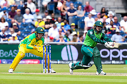 Quinton de Kock of South Africa plays a paddle sweep - Mandatory by-line: Robbie Stephenson/JMP - 06/07/2019 - CRICKET - Old Trafford - Manchester, England - Australia v South Africa - ICC Cricket World Cup 2019 - Group Stage