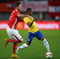 18.11.2014, Ernst Happel Stadion, Wien, AUT, Freundschaftsspiel, Oesterreich vs Brasilien, im Bild Marko Arnautovic (AUT) und Douglas Costa (BRA) // during the friendly match between Austria and Brasil at the Ernst Happel Stadion, Vienna, Austria on 2014/11/18. EXPA Pictures © 2014, PhotoCredit: EXPA/ Thomas Haumer