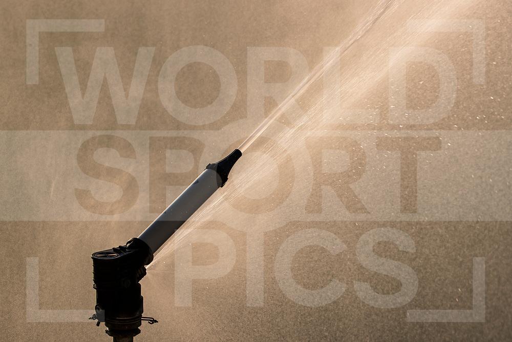 Rotterdam, Tulp Hoofdklasse Hockey Heren, Seizoen 2020-2021, 16-04-2021, Rotterdam - Den Bosch 0-3, sproeien, sproeinstallatie, bewateren, <br /><br /> COPYRIGHT WORLDSPORTPICS WILLEM VERNES