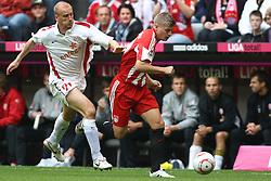 25.09.2010, Allianz Arena, Muenchen, GER, 1.FBL, FC Bayern Muenchen vs 1. FSV Mainz 05, im Bild  Miroslav Karhan (Mainz #21) kommt Toni Kroos (Bayern #39) nicht hinterher, EXPA Pictures © 2010, PhotoCredit: EXPA/ nph/  Straubmeier+++++ ATTENTION - OUT OF GER +++++ / SPORTIDA PHOTO AGENCY