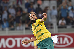 February 17, 2017 - Auckland, New Zealand - Imran Tahir of South Africa  celebrates the wicket of de Grandhomme of New Zealand during international Twenty20 cricket match between South Africa and New Zealand. (Credit Image: © Shirley Kwok/Pacific Press via ZUMA Wire)