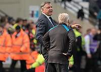 Football - 2017 / 2018 Premier League - West Ham United vs. Everton<br /> <br /> Sam Allardyce, Manager of Everton FC, and Sammy Lee wonder where there future lies at the London Stadium<br /> <br /> COLORSPORT/DANIEL BEARHAM