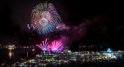 THEMENBILD - Feuerwerk über der Stadt und dem Zeller See als Abschluss des Zeller Seefestes, aufgenommen am 15. Juli 2017 in Zell am See, Österreich // Fireworks are seen over Zell am See after the first Zeller Seefest, Zell am See, Austria on 2017/07/15. EXPA Pictures © 2017, PhotoCredit: EXPA/ JFK