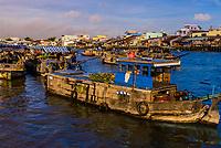 Cai Rang Wholesale Floating Market, near Can Tho, Mekong Delta, Vietnam.