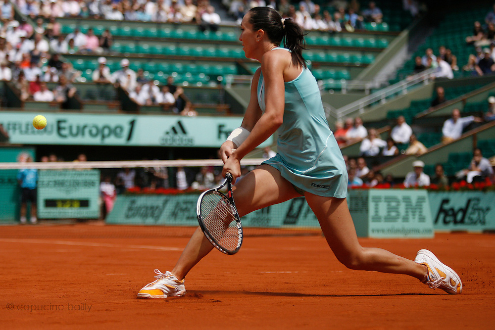 Roland Garros. Paris, France. June 1st  2008..Jelena JANKOVIC against Agnieszka RADWANSKA..Round of 16 (4th Round)...