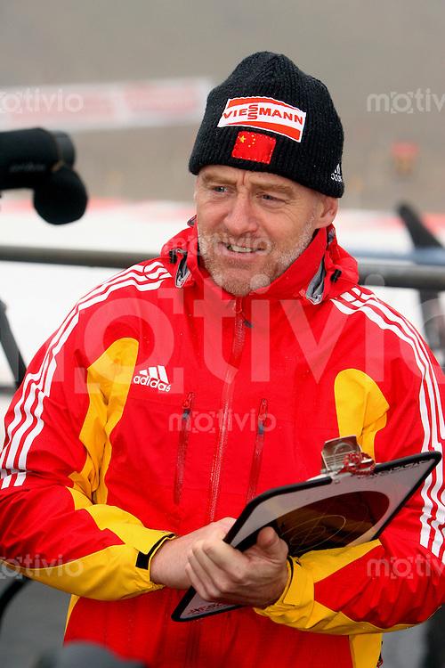Oberhof , 060107 ; Biathlon Weltcup Oberhof , Sprintrennen , 10km der Maenner  Trainer Klaus SIEBERT (CHN)