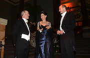 Charles Saumeraz Smith, the Marchioness of Normanby and the Marquess of Normanby, Belle Epoche gala fundraising dinner. National Gallery. 16 March 2006. ONE TIME USE ONLY - DO NOT ARCHIVE  © Copyright Photograph by Dafydd Jones 66 Stockwell Park Rd. London SW9 0DA Tel 020 7733 0108 www.dafjones.com