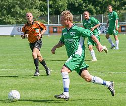 FODBOLD: Mikkel Vindahl Nielsen (Helsingør) under kampen i Kvalifikationsrækken, pulje 1, mellem Elite 3000 Helsingør og Nivå-Kokkedal FK den 6. august 2006 på Helsingør Stadion. Foto: Claus Birch