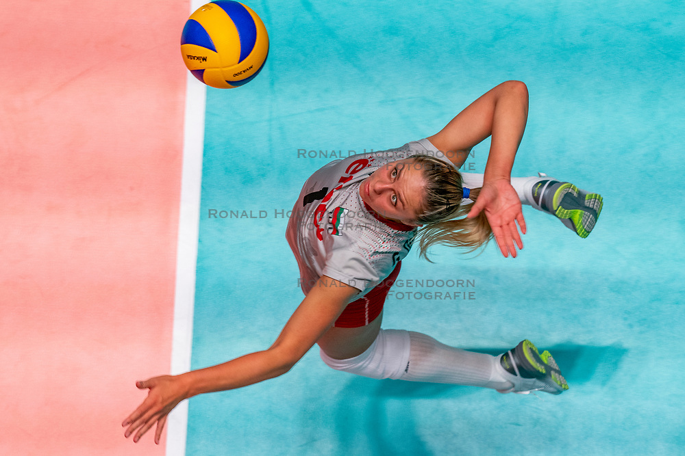 28-05-2019 NED: Volleyball Nations League Bulgaria - Poland, Apeldoorn<br /> <br /> Gergana Dimitrova #1 of Bulgaria