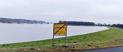 23.01.2011, Elbehochwasser, Lauenburg, GER, Elbehochwasser und aufgeweichte Deiche, EXPA Pictures © 2011, PhotoCredit: EXPA/ nph/  Kohring       ****** out of GER / SWE / CRO ******