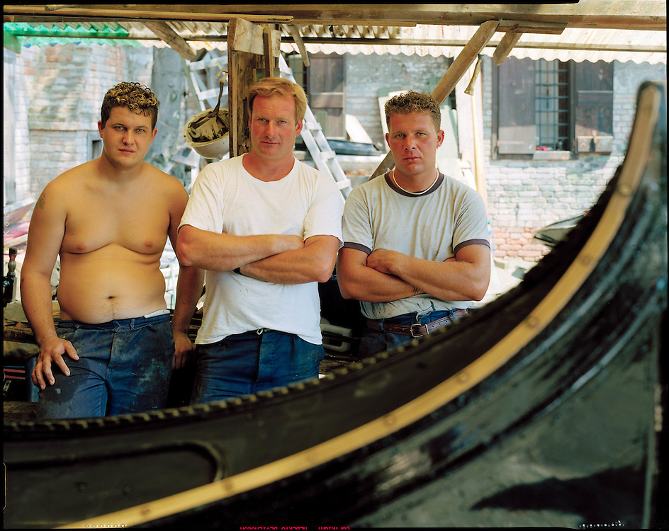 23 JUL 2001 - Venezia - Squeri: le fabbriche delle gondole - Squero di San Trovaso Luca Geromin, Lorenzo Della Toffola, Claudio Geromin