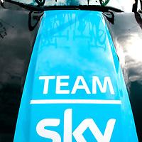 Frankrijk, Privas, 19-07-2015.<br /> Wielrennen, Tour de France.<br /> Etappe van Mende naar Valence.<br /> Team auto van de Sky ploeg.<br /> Foto: Klaas Jan van der Weij