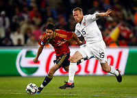 Fotball<br /> Spania v USA<br /> 24.06.2009<br /> Foto: DPPI/Digitalsport<br /> NORWAY ONLY<br /> <br /> FOOTBALL - CONFEDERATIONS NATIONS CUP 2009 <br /> <br /> David Villa of Spain and Jay DeMerit of USA and Watford  FIFA Confederations Cup South Africa 2009 Semi-Final Spain v United States of America at Free State Stadium Bloemfontein South Africa<br /> 24/06/2009