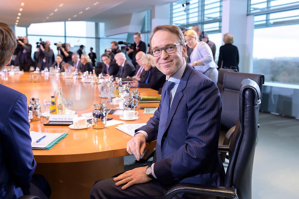 29 JAN 2020, BERLIN/GERMANY:<br /> Jens Weidmann, Praesident Deutsche Bundesbank, vor Beginn der Kabinettsitzung, Bundeskanzleramt<br /> IMAGE: 20200129-01-014<br /> KEYWORDS: Kabinett, Sitzung