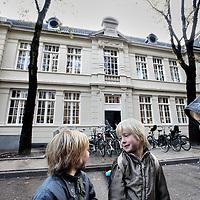 Nederland, Amsterdam , 20 oktober 2010..De geheel gerenoveerde Dr. Rijk Kramer school op de Oldenbarneveldstraat waaronder de gevel..Foto:Jean-Pierre Jans