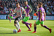 Sheffield Utd midfielder John Fleck (4) bursts into the box during the EFL Sky Bet Championship match between Sheffield United and Bristol City at Bramall Lane, Sheffield, England on 30 March 2019.