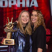 NLD/Hilversum/20200228 - Winnares The Voice of Holland 2020, Sophia Kruithof met haar coach Anouk