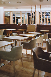 THEMENBILD - Blick in ein geschlossenes Restaurant, aufgenommen am 27. Jänner 2021 in Kaprun, Österreich // view of a closed restaurant, Kaprun, Austria on 2021/01/27. EXPA Pictures © 2021, PhotoCredit: EXPA/ JFK