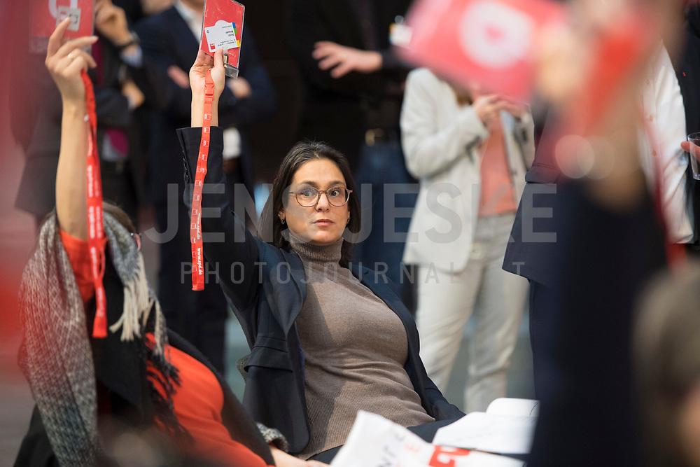 DEU, Deutschland, Germany, Berlin, 06.12.2019: Die neu gewählte stellvertretende SPD-Parteivorsitzende Serpil Midyatli beim Bundesparteitag der SPD im CityCube.