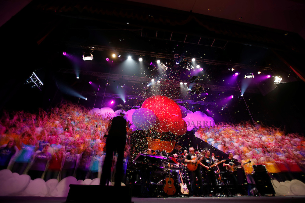 Voices Dream a Little Dream.MCC.14 October 2012.final night.