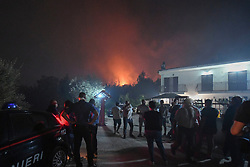 Campania: continue fires and burn the earth, this time hit the city of Pozzuoli in the Flegrea area
