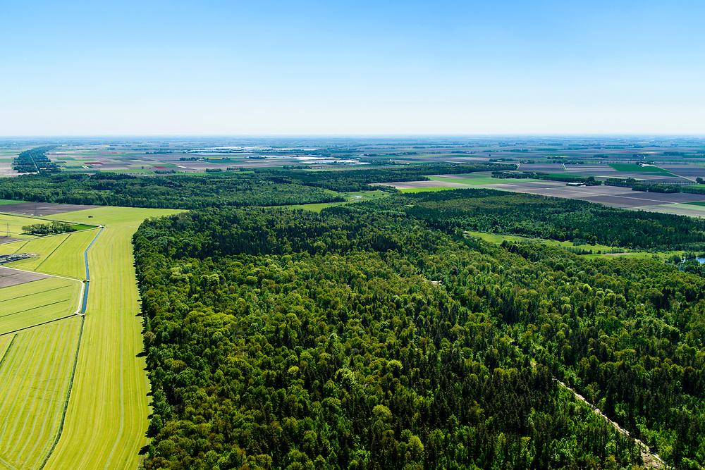 Nederland, Flevoland, Noordoostpolder, 07-05-2018; Kuinderbos, bij Kuinre.<br /> Aangeplant bos. <br /> Planted forest in new polder, North East Polder.<br /> <br /> luchtfoto (toeslag op standard tarieven);<br /> aerial photo (additional fee required);<br /> copyright foto/photo Siebe Swart