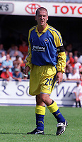Mark Ford - Torquay. Kidderminater Harriers v Torquay United. League Division Three, 12/8/00. Credit Colorsport / Nick Kidd.