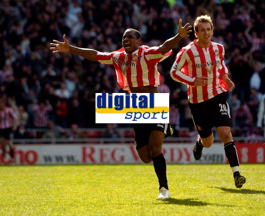 Photo: Jed Wee.<br />Sunderland v Newcastle United. The Barclays Premiership. 17/04/2006.<br /><br />Sunderland's Justin Hoyte (L) celebrates with Chris Brown after scoring the opening goal.