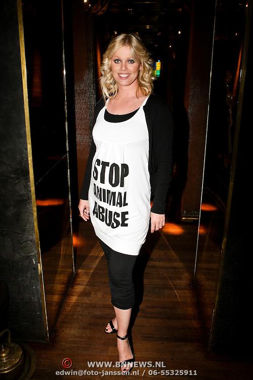 NLD/Amsterdam/20080508 - Mom's Moment voor zwangere vrouwen, Bridget Maasland