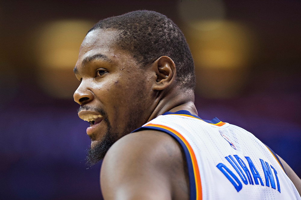 OKLAHOMA CITY, OK - JANUARY 13:  Kevin Durant #35 of the Oklahoma City Thunder talks to teammates during a game against the Dallas Mavericks at Chesapeake Energy Arena on January 13, 2016 in Oklahoma City, Oklahoma.  NOTE TO USER: User expressly acknowledges and agrees that, by downloading and or using this photograph, User is consenting to the terms and conditions of the Getty Images License Agreement.   The Thunder defeated the Mavericks 108-89.  (Photo by Wesley Hitt/Getty Images) *** Local Caption *** Kevin Durant