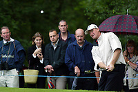Photograph: Scott Heavey<br />Volvo PGA Championship At Wentworth Club. 25/05/2003.<br />Ernie Els chips on to the green at the 4th.