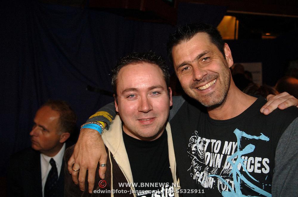 NLD/Uitgeest/20060118 - Uitreiking populariteitsprijs Noord Holland 2005, Patrick Kicken en DJ Sven, Sven van Veen