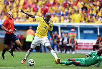v.l. Victor Ibarbo (Kolumbien), Didier Zokora<br /> Fussball, FIFA WM 2014 Vorrunde, <br /> Colombia - Elfenbenskysten<br /> Norway only