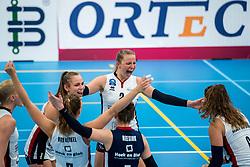 29-09-2018 NED: Supercup Sliedrecht Sport - Eurosped, Sliedrecht<br /> Sliedrecht takes the first price of the new season / Sarah van Aalen #9 of Sliedrecht Sport, Brechtje Kraaijvanger #2 of Sliedrecht Sport