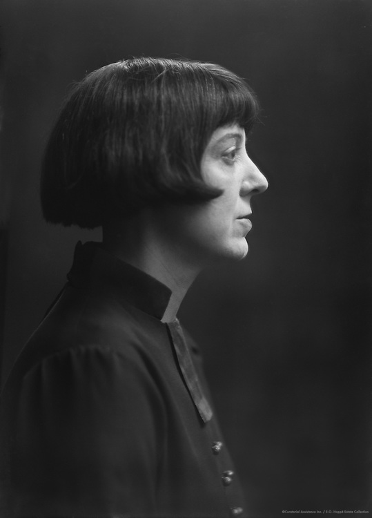 Dorothy Burroughes, author and illustrator, 1923