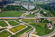 Nederland, Utrecht, Leidsche Rijn, 03-05-2011; Spoorlijn met boven de wijk Terweide. Railway next to new housing district Terweide..luchtfoto (toeslag), aerial photo (additional fee required).copyright foto/photo Siebe Swart
