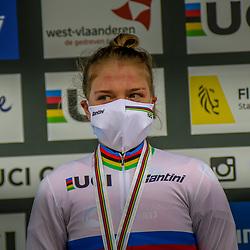30-01-2021: Wielrennen: WK Veldrijden: Oostende<br /> Fem van Empel (NED) pakt de wereldtitel bij de  vrouwen onder de 23 voor Aniek van Alphen en Kata Blanka Vas  (Hungary)