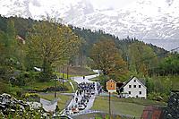 Sykkel<br /> Tour des Fjords 2015<br /> Foto: imago/Digitalsport<br /> NORWAY ONLY<br /> <br /> Das Fahrerfeld durchquert die norwegische Landschaft mit seinen Wäldern und Fjorden - Peloton - Landschaft - Landscape - Illustration - Impression - Aktion - Rennszene - Querformat - quer - horizontal - Event / Veranstaltung: Tour des Fjords - Fjord Rundfahrt 2015 - Stage 1 / 1.Etappe: Bergen nach Norheimsund 177.0 km - Location / Ort: Norheimsund - Norway - Norwegen - Europe - Europa - Date / Datum: 27.05.2015