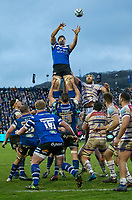 Bath Rugby's Charlie Ewels claims the lineout<br /> <br /> Photographer Bob Bradford/CameraSport<br /> <br /> Gallagher Premiership Round 11 - Bath Rugby v Leicester Tigers - Sunday 30th December 2018 - The Recreation Ground - Bath<br /> <br /> World Copyright © 2018 CameraSport. All rights reserved. 43 Linden Ave. Countesthorpe. Leicester. England. LE8 5PG - Tel: +44 (0) 116 277 4147 - admin@camerasport.com - www.camerasport.com