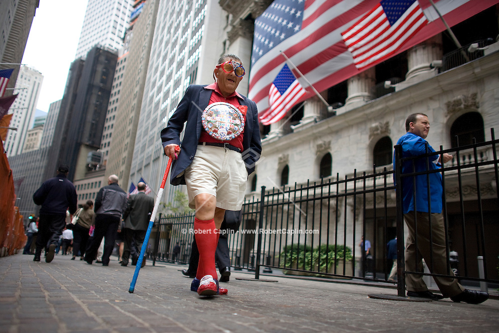 Joe Piazza, 78, from Statin Island outside the New York Stock Exchange during a day in which the American legislative system negotiated a $700 billion bailout plan for the ailing Wall Street financial institutions.