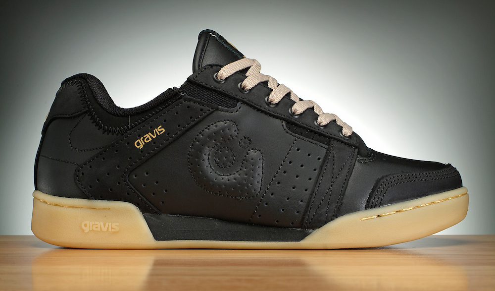 Gravis shoe
